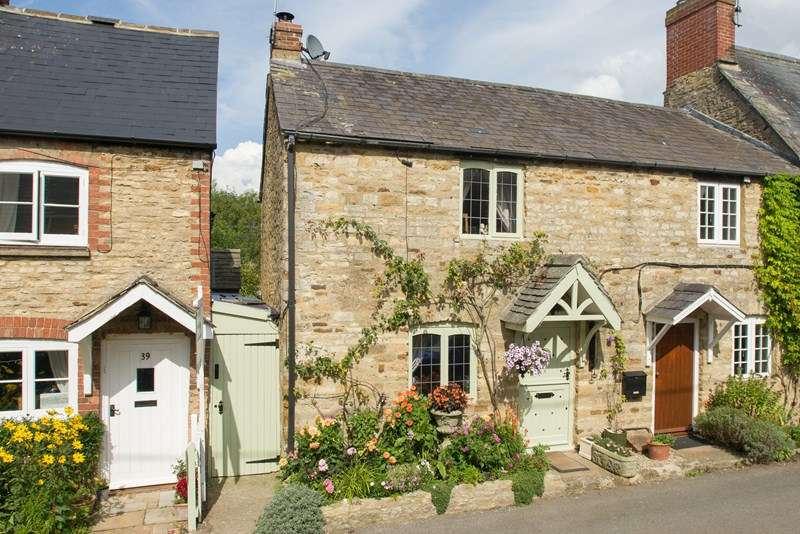 2 Bedrooms Cottage House for sale in South Street, Middle Barton, Chipping Norton
