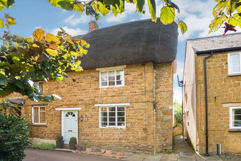 2 Bedrooms Cottage House for sale in Unicorn Street, Bloxham, Banbury