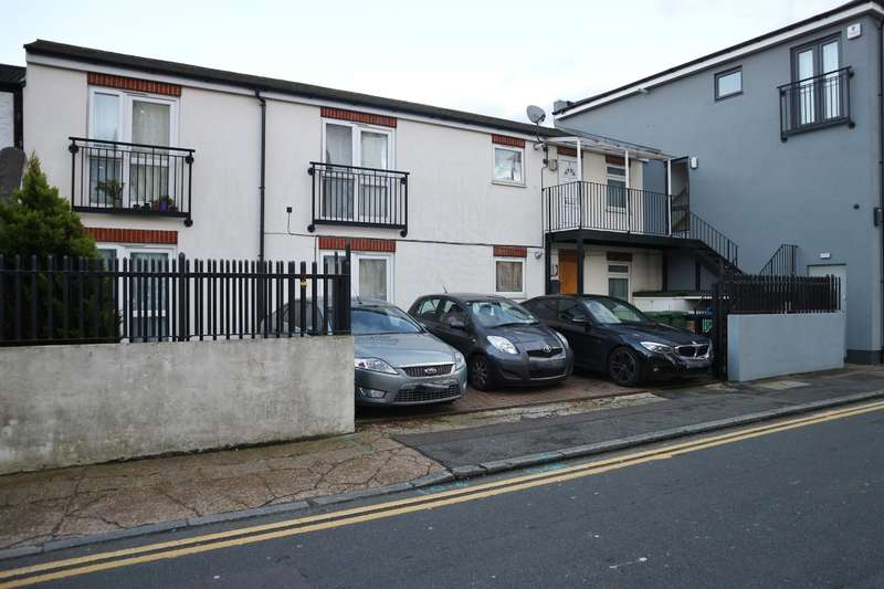 2 Bedrooms Flat for sale in Eden Apartments, Pickford Lane , Bexleyheath Kent , DA7 4BY
