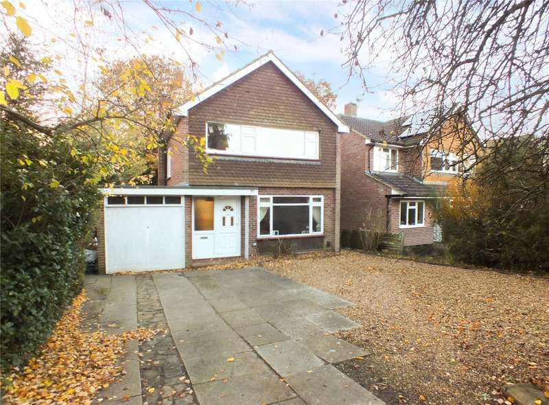 3 Bedrooms Detached House for sale in The Verne, Church Crookham, Fleet, GU52