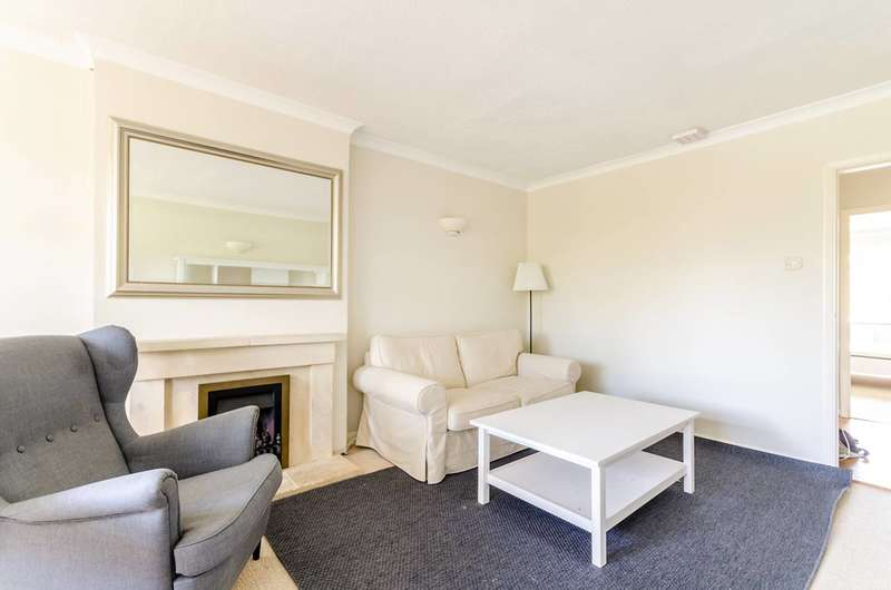 2 Bedrooms Flat for rent in Ranmore Court, Surbiton, KT6
