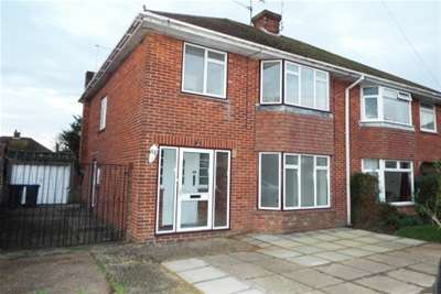 3 Bedrooms House for rent in The Strand, Worthing