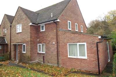 7 Bedrooms House for rent in Wavell Way, Winchester