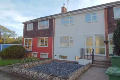 5 Bedrooms House for rent in Arden Close, Warwick