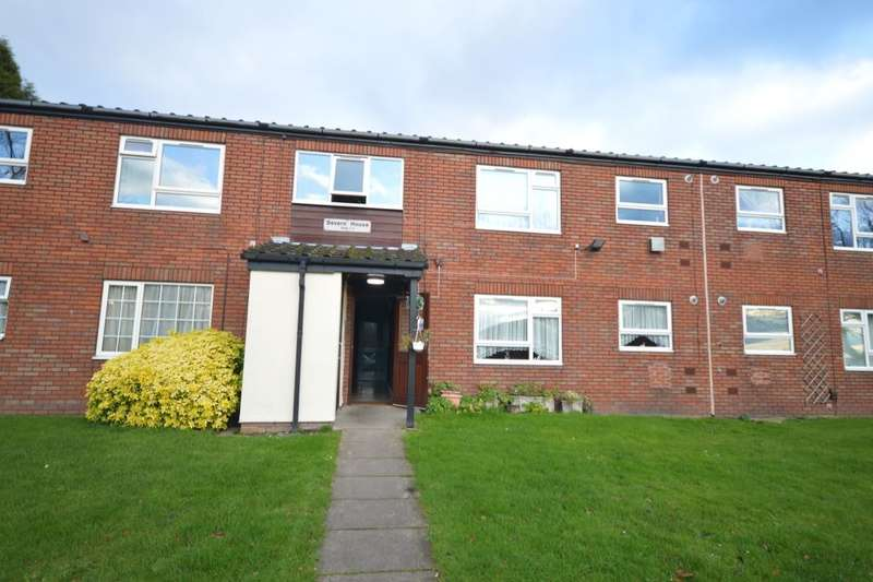 2 Bedrooms Flat for sale in Pennine Drive, Dudley, DY3
