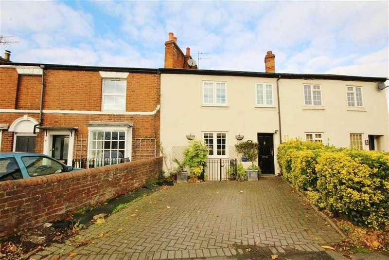 3 Bedrooms Terraced House for sale in Wharf Cottage, Emscote Road, Warwick, Warwickshire, CV34