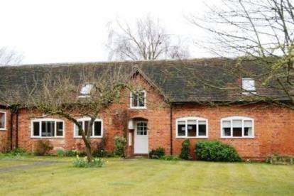 3 Bedrooms Barn Conversion Character Property for sale in Farm Court, Main Street, Elmley Castle, Pershore