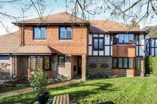 5 Bedrooms Detached House for sale in Popes Wood, Thurnham, Maidstone, Kent