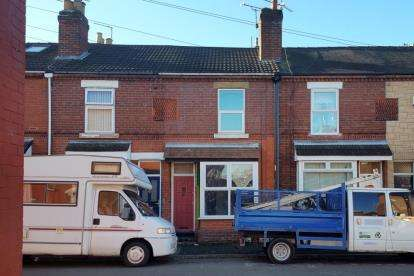 2 Bedrooms Terraced House for sale in Shirley Road, Doncaster