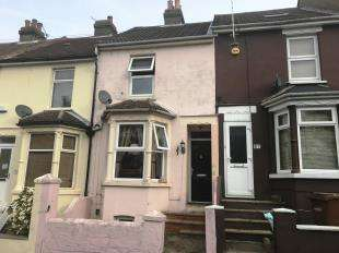 2 Bedrooms Terraced House for sale in Imperial Road, Gillingham, Kent