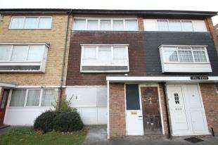 1 Bedroom Flat for sale in Hillview, South Lodge Avenue, Mitcham