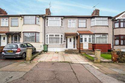 1 Bedroom Terraced House for sale in Ilford