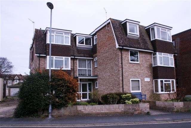 1 Bedroom Flat for sale in Vine Court, Dorking Crescent, Cosham, Portsmouth, Hampshire, PO6 2QW