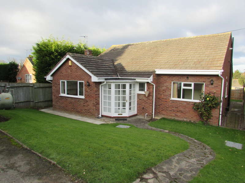3 Bedrooms Detached Bungalow for rent in St Davids Road, Clifton Campville