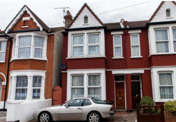 3 Bedrooms Terraced House for rent in South Avenue, Southend-on-Sea