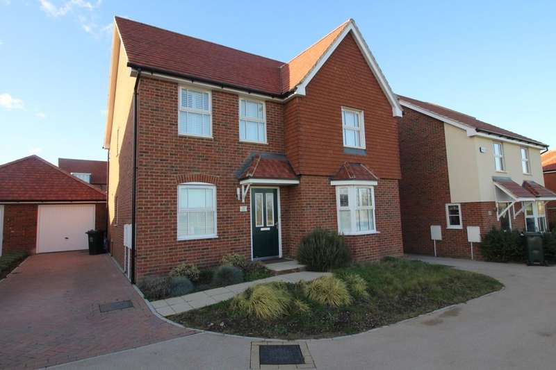 4 Bedrooms Detached House for sale in Park View, Castle Hill,Ebbsfleet Valley, Swanscombe, DA10