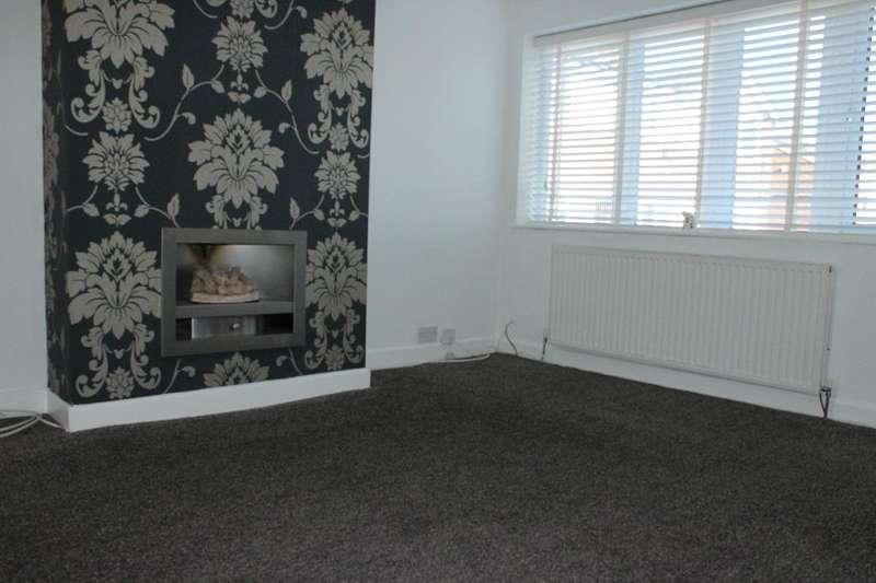 3 Bedrooms Semi Detached House for rent in Bradshaw Close, Blackburn, Lancs, BB1 8RL