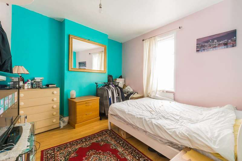 2 Bedrooms House for sale in Maiden Road, Stratford, E15