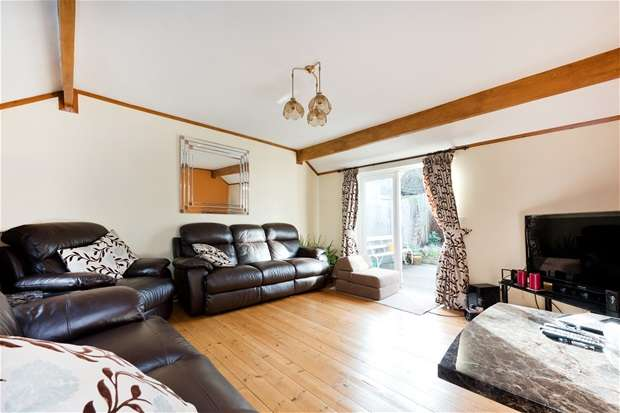 3 Bedrooms Terraced House for sale in Howbury Road, Nunhead