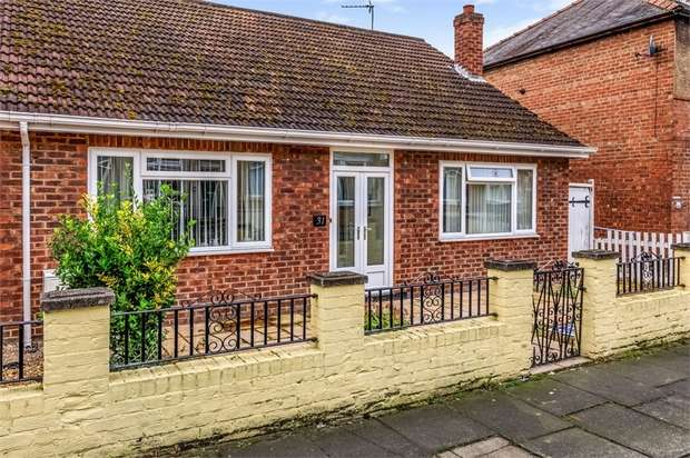 3 Bedrooms Detached Bungalow for sale in Crosby Street, Darlington, Durham