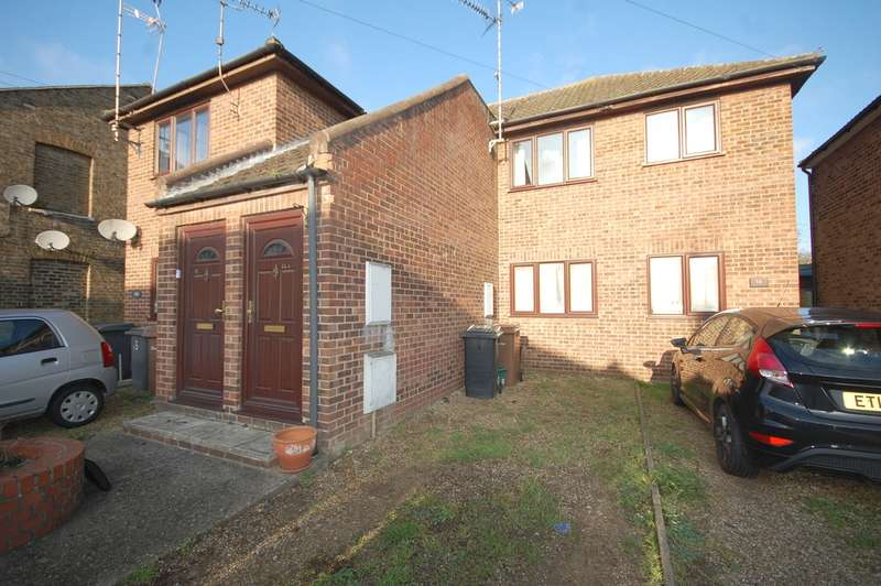 2 Bedrooms Maisonette Flat for sale in Alma Drive, City Centre, Chelmsford, CM1