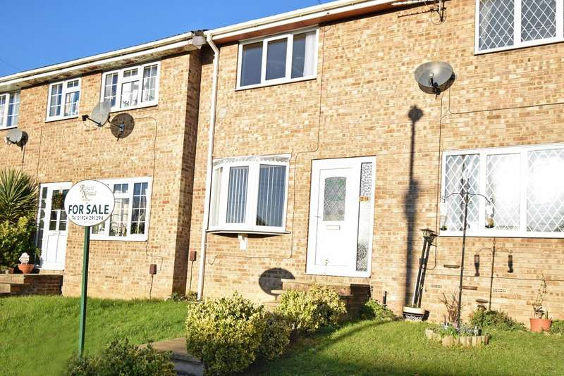 2 Bedrooms Town House for sale in Hillside Close, Wakefield