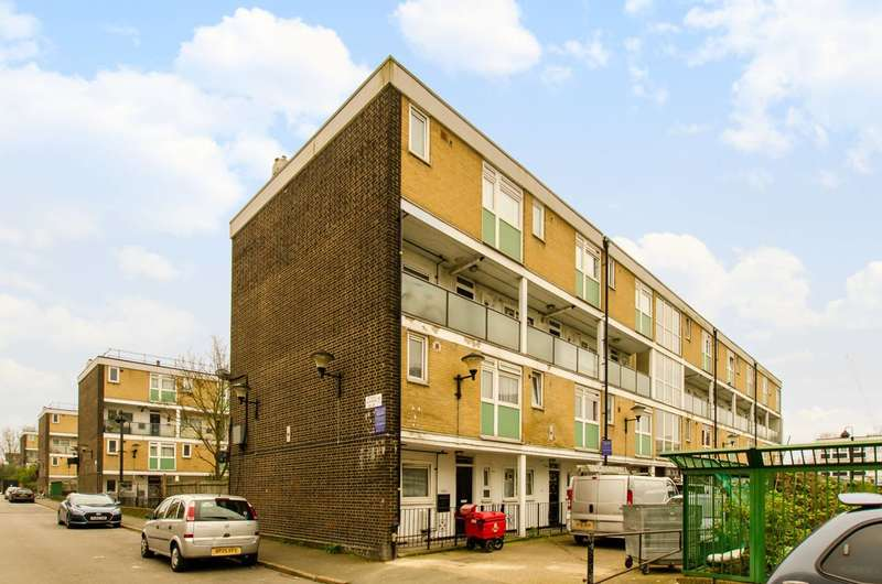3 Bedrooms Maisonette Flat for sale in Styles Gardens, Brixton, SW9