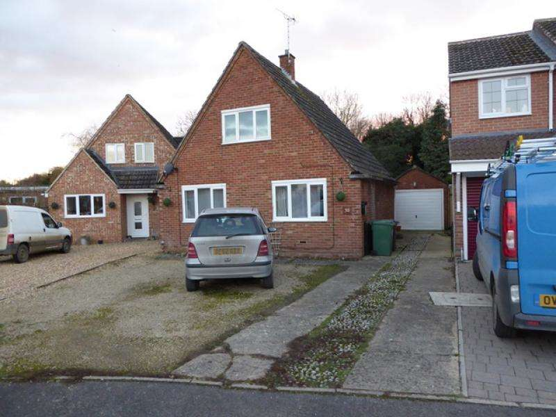 3 Bedrooms Detached House for sale in 38 Pauls Croft