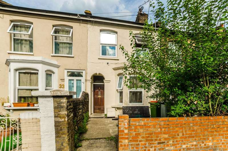 3 Bedrooms Terraced House for sale in Albert Square, Stratford, E15