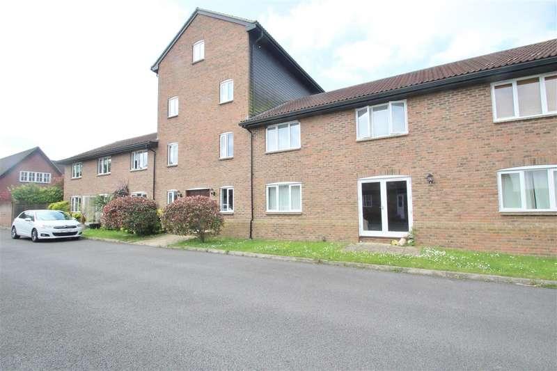 2 Bedrooms Duplex Flat for rent in The Granary, Warren Road, Little Horwood