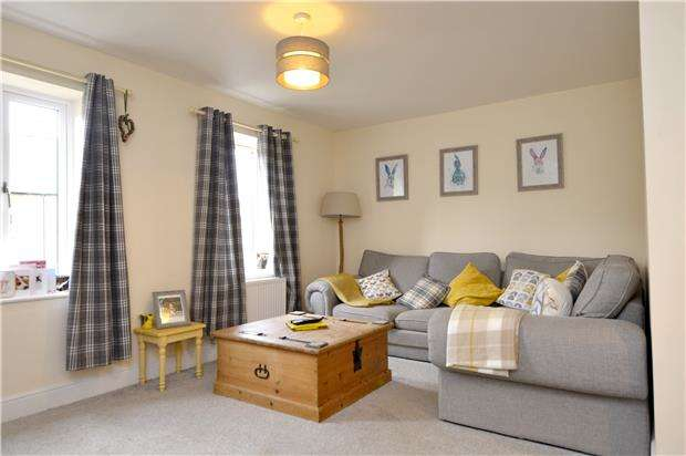 3 Bedrooms Town House for sale in Greenaways, Ebley, Gloucestershire, GL5 4UQ