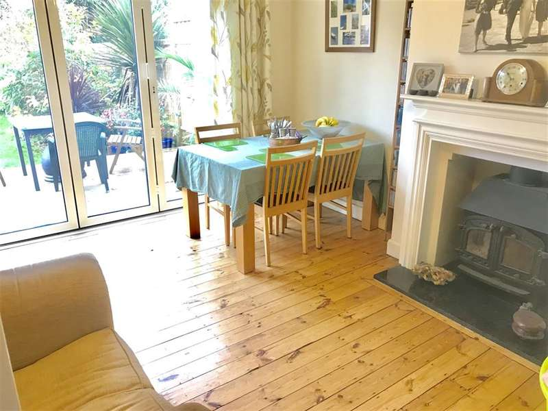 3 Bedrooms Semi Detached House for sale in Poulters Lane, Worthing, West Sussex, BN14 7SY