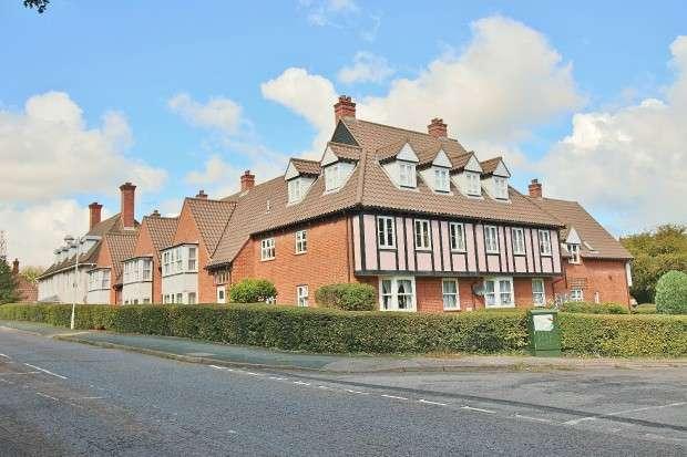 1 Bedroom Retirement Property for sale in Bridgecote Lane, Noak Bridge, SS15