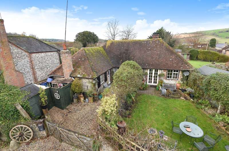 3 Bedrooms Barn Conversion Character Property for sale in The Old Forge, East Dean, PO18