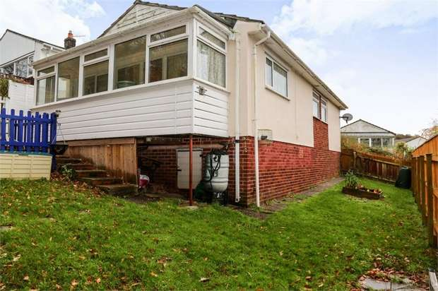 2 Bedrooms Detached Bungalow for sale in Lake Avenue, Teignmouth, Devon