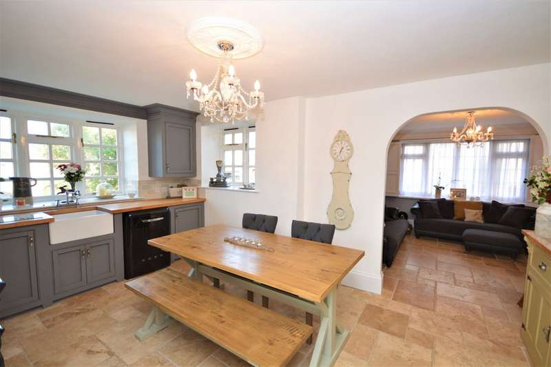 5 Bedrooms Detached House for sale in High Street, Newchurch