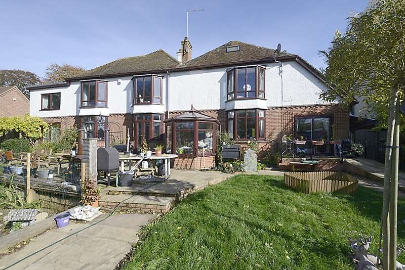 6 Bedrooms Detached House for sale in Newbury Road, Hungerford, Berkshire, RG17