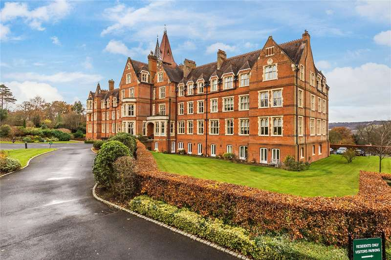 2 Bedrooms Flat for sale in St Michaels, Wolfs Row, Limpsfield, Surrey, RH8