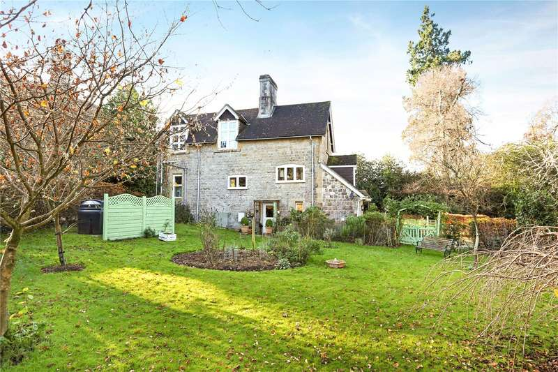 3 Bedrooms Detached House for sale in Ripsley Park, Liphook, Hampshire, GU30
