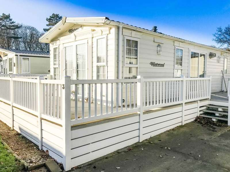 1 Bedroom Caravan Mobile Home for sale in Chapel Road, Carlton Colville, Lowestoft