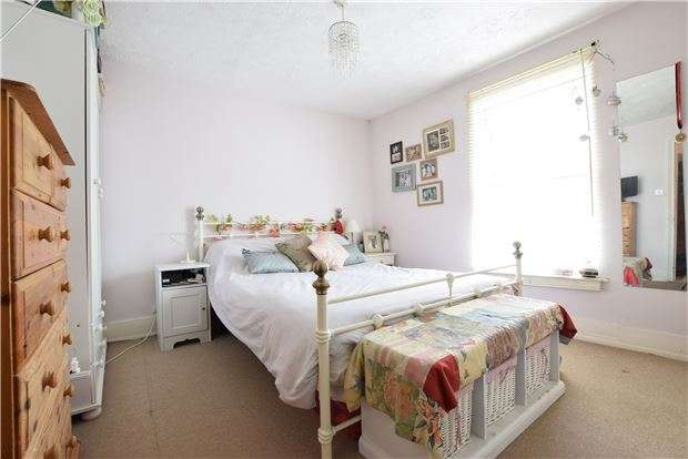 3 Bedrooms Terraced House for sale in Norman Road, TN1 2RT