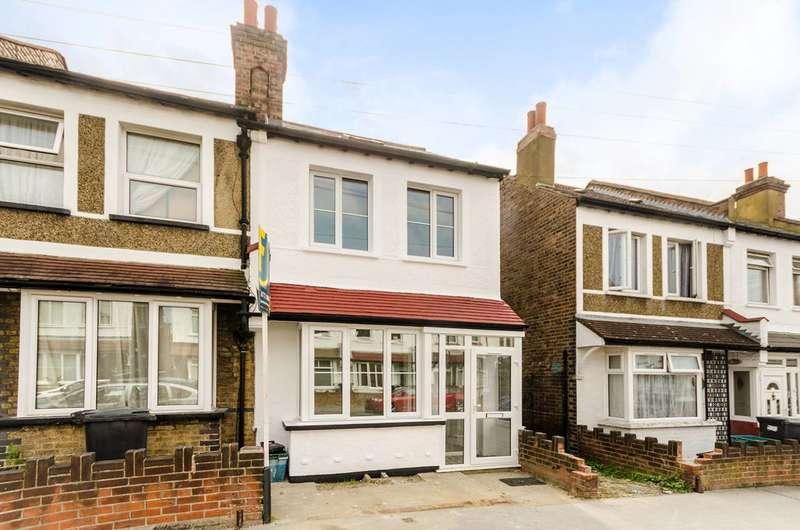4 Bedrooms House for rent in Gilsland Road, Croydon, CR7
