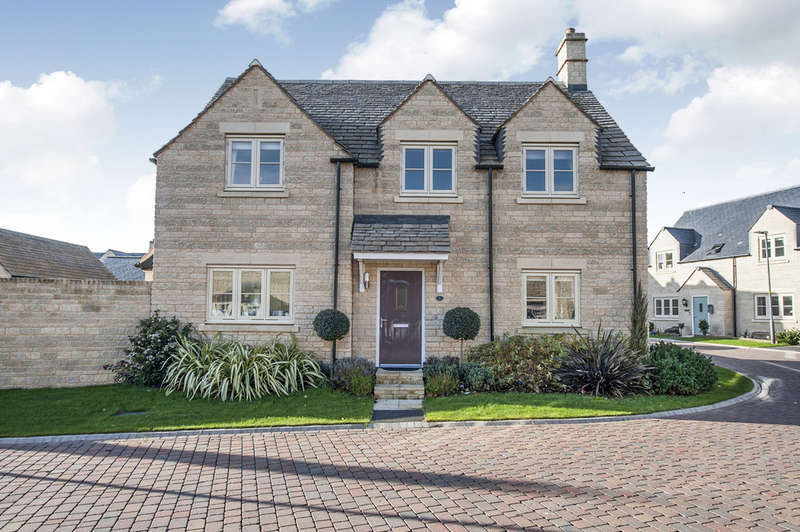 4 Bedrooms Detached House for sale in Pips Field Way, Fairford