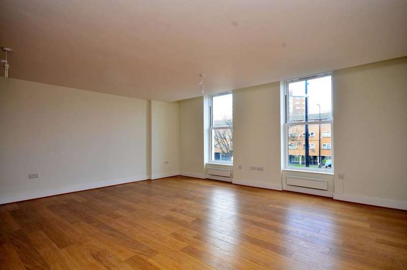 2 Bedrooms Flat for rent in Clapham Road, Stockwell, SW9