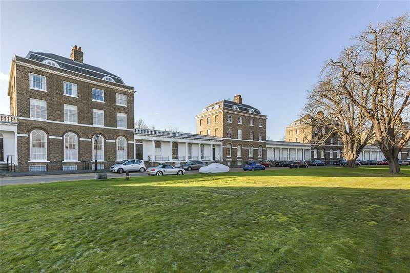 3 Bedrooms Flat for sale in The Paragon, London, SE3