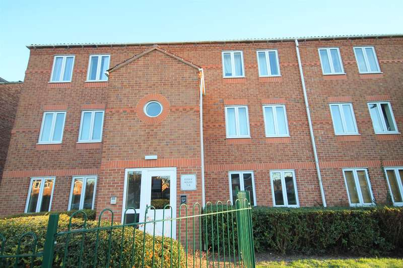 2 Bedrooms Ground Flat for sale in Darwin Close, York, YO31 9PG