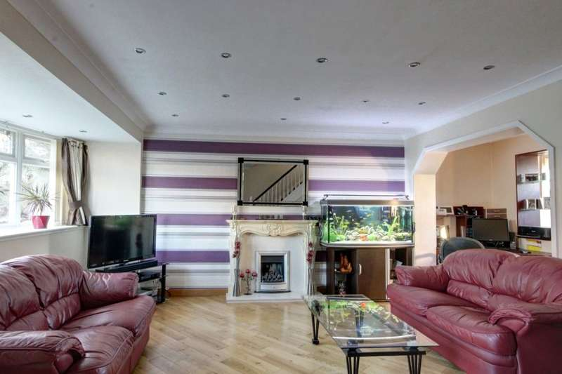 3 Bedrooms Detached House for sale in Redlands, Penshaw, Houghton Le Spring, DH4