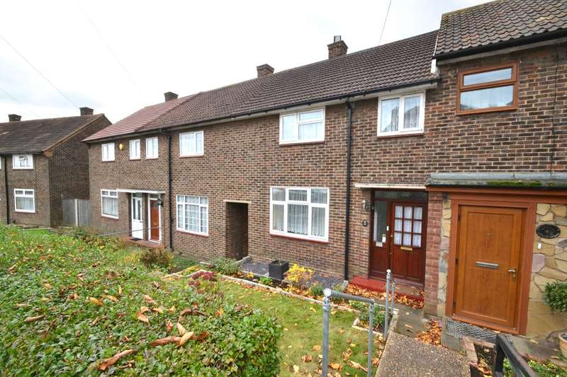3 Bedrooms Terraced House for sale in Dartfields, Romford, Essex, RM3