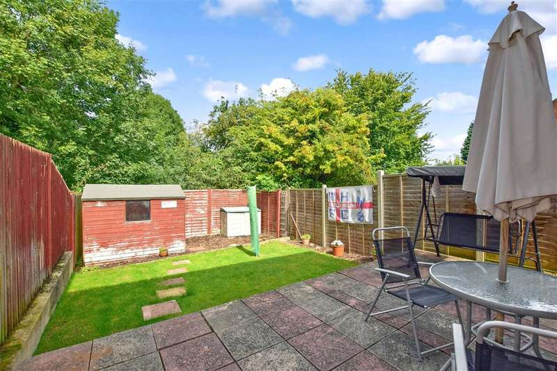 3 Bedrooms Semi Detached House for sale in Cherbourg Crescent, , Chatham, Kent