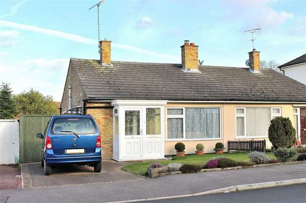2 Bedrooms Semi Detached Bungalow for sale in Dunmow, Essex